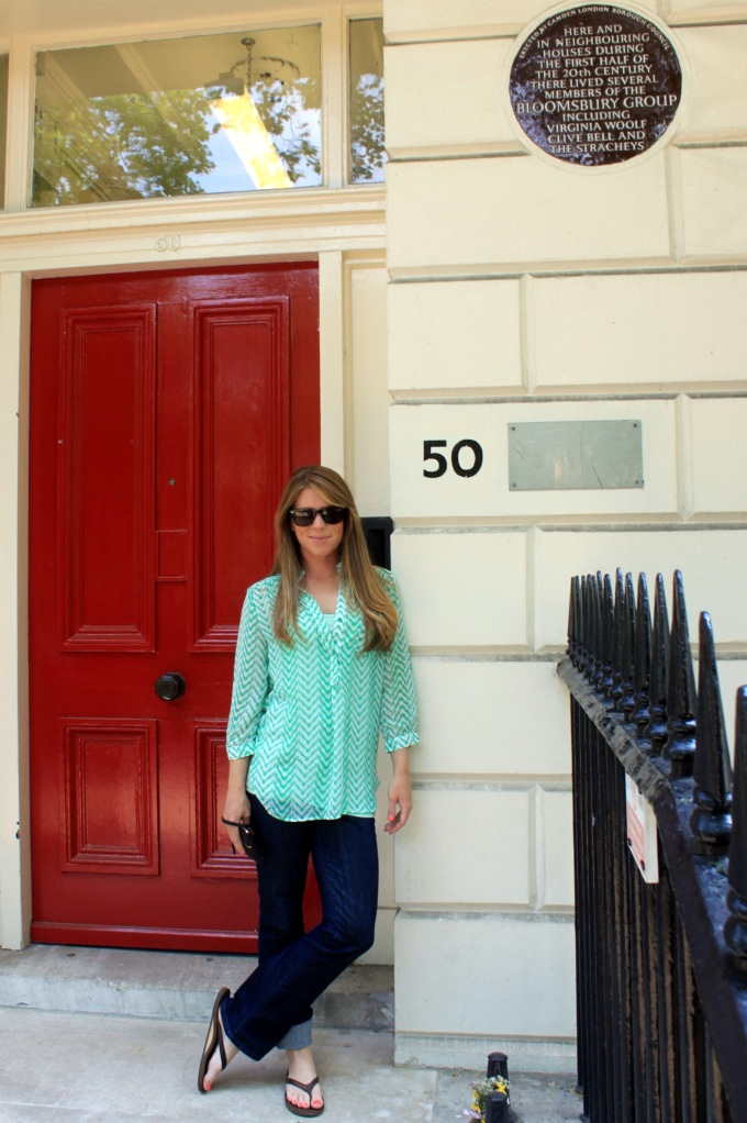 Who me? Yeah. Just chillin' at Virgina Woolf's house. No big deal.